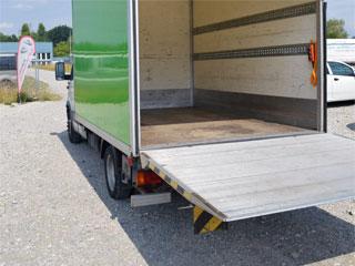 lieferwagen mieten transporter mit hebeb hne und. Black Bedroom Furniture Sets. Home Design Ideas